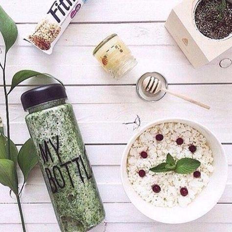GOOD MORNING: Tijd voor een gezond ontbijtje! Mijn MY BOTTLE fles gaat straks mooi mee. #cottonandscents #webwinkel #webshop #mybottle #waterfles #fles #breakfast #ontbijt #sap #juice #heathy