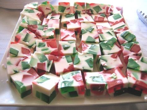 Broken Glass Jello for Christmas. Great for the kiddos ...