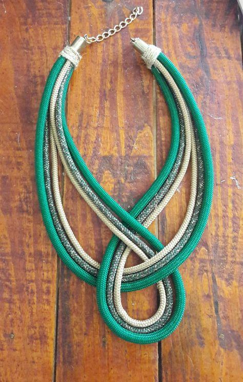 colar de corda Liz no Rope Jewelry, Leather Jewelry, Diy Jewelry, Fashion Jewelry, Jewelry Making, Jewellery, Fabric Necklace, Rope Necklace, Fabric Jewelry
