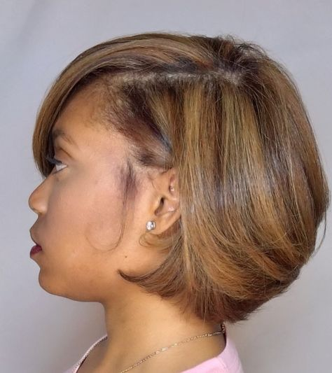 5 Hair Colors That Remind Us of Summer! - Gorgeous multi-dimensional, honey blonde bob by in Kennesaw, GA 🍯✂️ Color placement is on point👌🏾 Honey Blond, Bob Hairstyles For Fine Hair, Formal Hairstyles, Ponytail Hairstyles, Weave Hairstyles, Black Women Natural Hairstyles, Medium Length Natural Hairstyles, Cute Short Natural Hairstyles, Layered Bob Hairstyles
