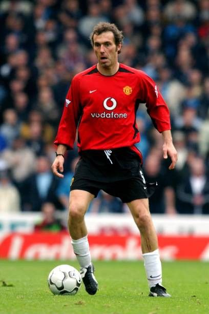 Pin By Red Devils On Manchester United Season 2002 03 In 2020 Manchester United Players Manchester United Football Club Manchester United