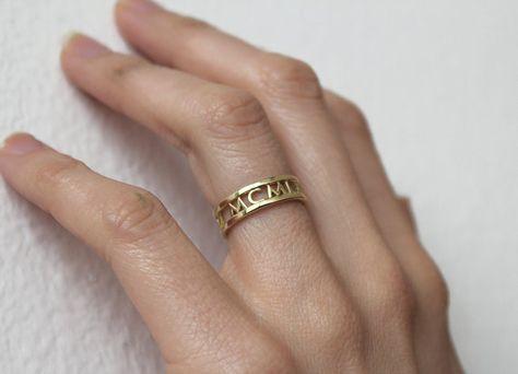 14 k Gold Eheringe, römische Ziffern Ring, Datum Ring, Jahrestag Ring, Ehering, Mom-Ring, Familienring, Geburtstagsgeschenk