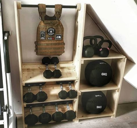 Do you have a gym membership? For see more of fitness life images visit us on our website ! Home Gym Basement, Home Gym Garage, Gym Room At Home, Home Made Gym, Diy Home Gym, Home Gym Decor, Pilates Studio, Pilates Reformer, Crossfit Garage Gym