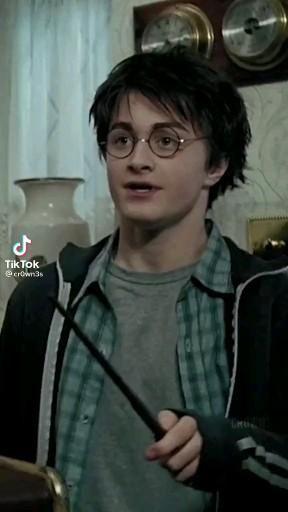 O Harry estressadinho é tudo KAKKAKA apaixonada ✨
