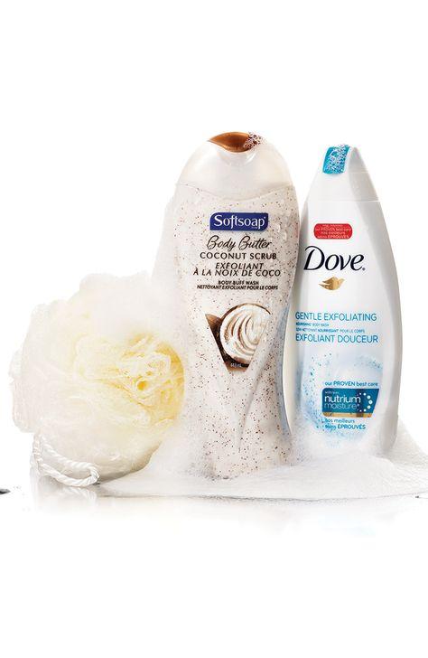 Exfoliez votre peau régulièrement. Les cellules mortes peuvent bloquer les follicules pileux et forcer les poils à pousser sous la peau.
