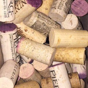 Used Red and White Wine Corks 100 Corks - USED