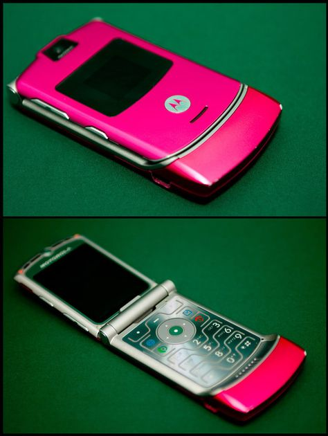 The pink Razr. | 35 Things Every Teen Girl In The '00s Was Obsessed With....seriously all I wanted then lol.