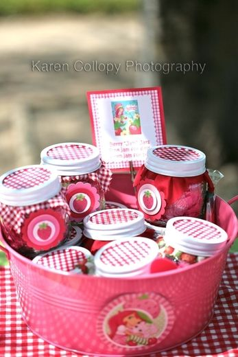 Is My Crazy Showing?'s Birthday / Strawberry Shortcake - Photo Gallery at Catch My Party