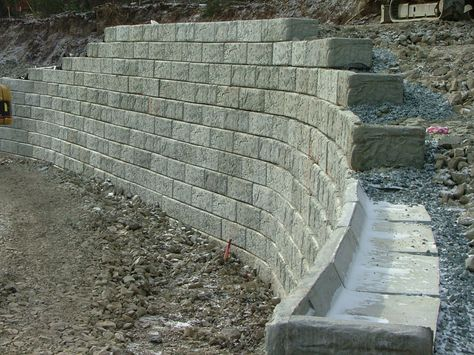 How To Build A Tall Retaining Wall With Blocks In 2020
