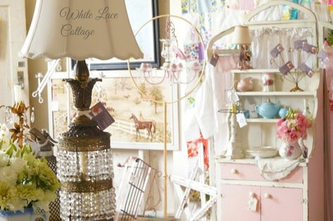 ♥    White Lace Cottage