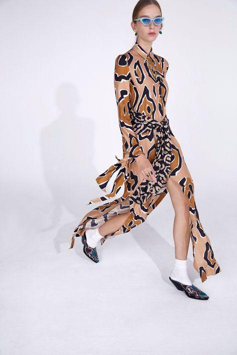 Just Cavalli Resort 2019 Fashion Show Collection: See the complete Just Cavalli Resort 2019 collection. Look 13