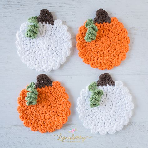 Crochet Pumpkin Coasters Pattern - Page 3 of 31 - Free Crochet Patterns Thanksgiving Crochet, Holiday Crochet, Crochet Home, Cute Crochet, Crochet Crafts, Yarn Crafts, Doilies Crochet, Thread Crochet, Crochet Fall Decor