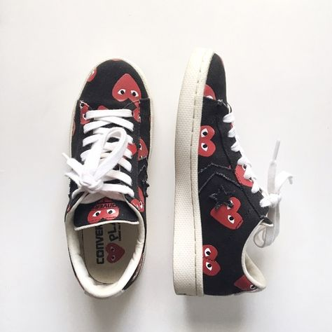Hot Sale: Women's Comme Des Garcons Play X Converse Chuck