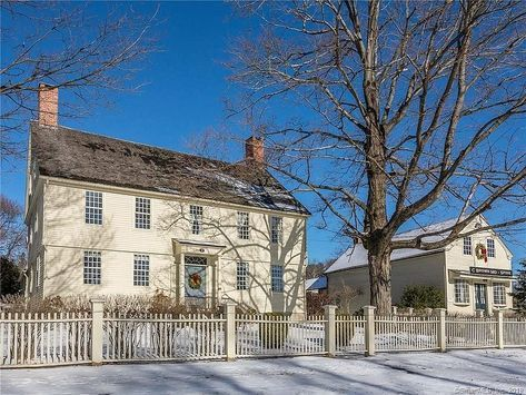 historical homes on instagram litchfield connecticut 1782 for sale 1 099 000 4 bed 4 bath 4 021sqft 5 acre rev timothy in 2020 collin house maine house litchfield pinterest