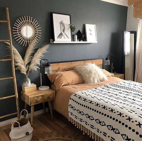 Coastal Master Bedroom, Dream Bedroom, Bedroom Decor, Decor Interior Design, Interior Decorating, Dark Blue Bedrooms, Rustic Bedding, Boho Bedding, Room Inspiration