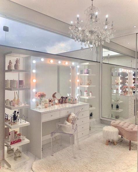 Pink Bedroom Decor, Room Design Bedroom, Teen Bedroom Designs, Bedroom Decor For Teen Girls, Home Room Design, Room Ideas Bedroom, Pink Teen Bedrooms, Rich Girl Bedroom, Light Pink Bedrooms