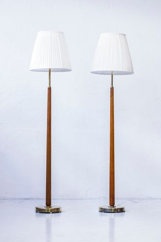 This Pair Of Floor Lamps Model 522 Was Designed By Hans Bergstrom And Produced By His Own Company Atelje Lyktan During The 1940s The Floor Lamp Lamp