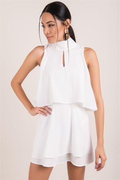 Bsl In Yeni Sezon Sade Beyaz Elbise Modelleri Elbise Modelleri Elbise Bej Elbiseler