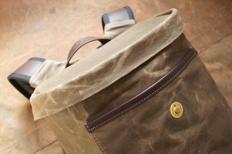 Khaki waxed cotton Bashilo 13 backpack