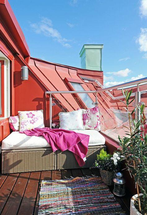 terrassengestaltung ideen kleine dachterrasse teppich hausgemacht - terrasse einrichten ideen pouf