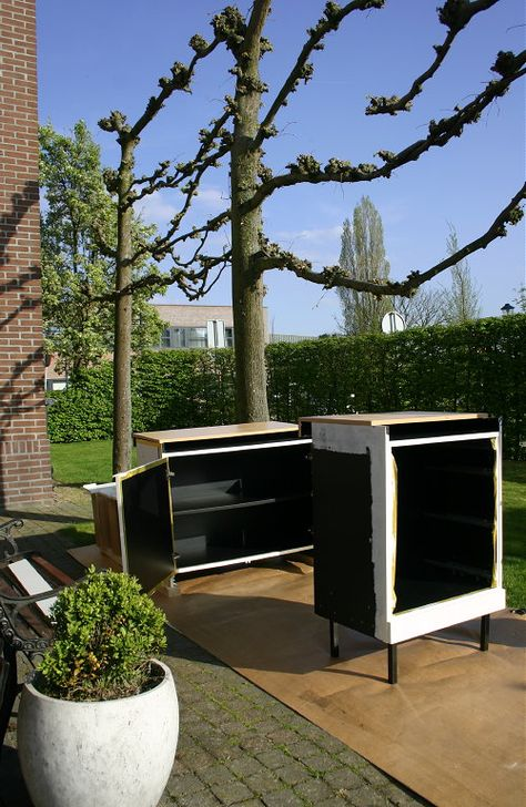 DIY Project After Free Live Online #Histor Color & #InteriorDecoration Advice in April 2014! Part 2: Bring back to Life 2 L-Series #Pastoe Cabinets from the Eighties! On His Feet!