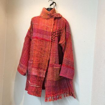 Twisted Shawls are mostly woven with a cotton warp and ray