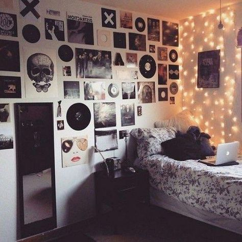 42 Mainly Best Rock Bedroom Décor Ideas – Hipster room Edgy Bedroom, Rock Bedroom, Grunge Bedroom, Room Ideas Bedroom, Bedroom Decor, Hipster Home, Hipster Room Decor, Hipster Ideas, Room Decor For Teen Girls