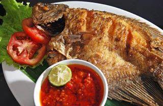 Resep Dan Cara Membuat Sambal Cobek Ikan Mas Dapur Masako Resep Ikan Mas Resep Ikan Makanan