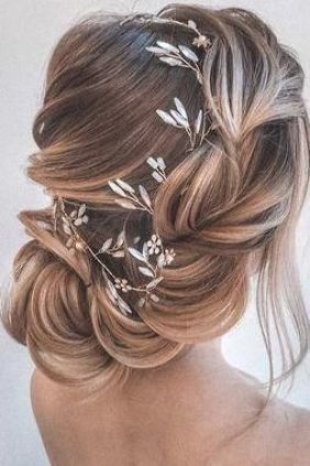 wedding hairstyles for thin hair side swept low airy updo with flower and crystals olesya_zemskova #weddinghairstylesupdo  #iburrishimanganr