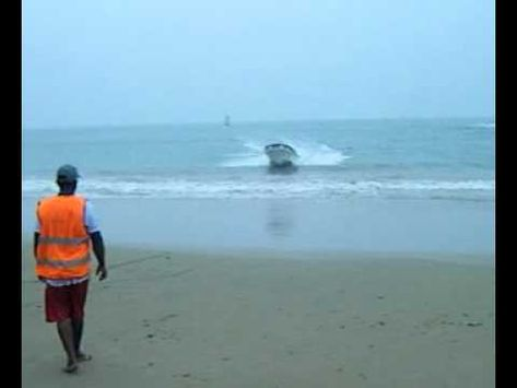 Crazy Beach Boat Accident www.