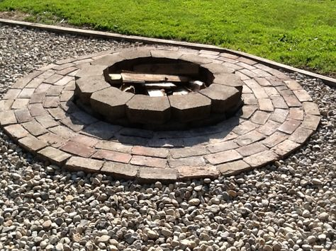 Easy Diy Fire Pit 24 Castle Block Not Sure How Many Bricks And A