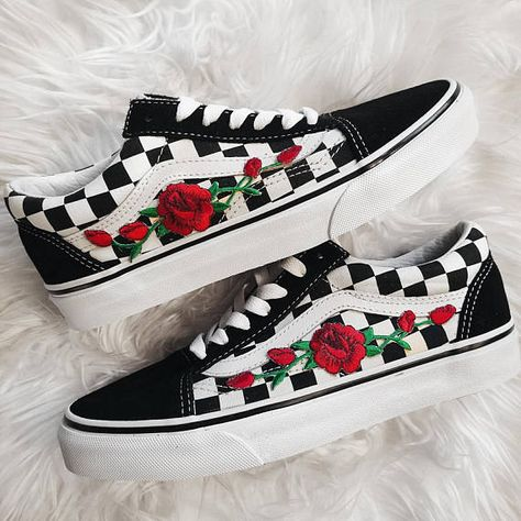 sale retailer 8474e 978fb Checkered RoseBuds Custom Rose Embroidered-Patch Vans Old-Skool Sneakers