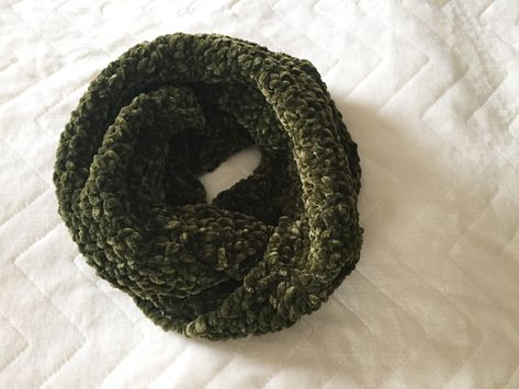 Velvet Dream Super Plush Crochet Circle Scarf Pattern Ems Fiber