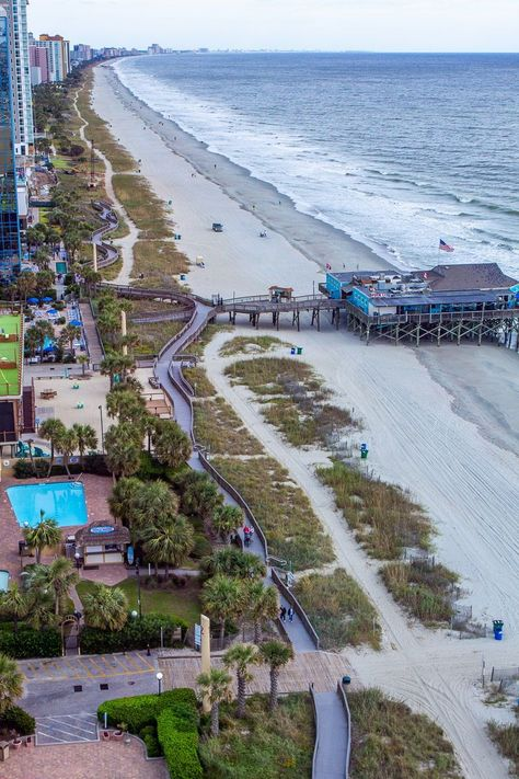 Whether you prefer indoor attractions, or outdoor adventures, there is something for everyone in Myrtle Beach. We love this family vacation destination and have compiled our go-to list of the best things to do in Myrtle Beach, find it on our blog and start planning your family trip today! #MyrtleBeach #BeachVacations #USBeaches #MyrtleBeachAttractions #USRoadTrips #FamilyTravel