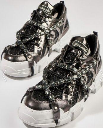Siyah Tasli Bambi Kokos Pullu Spor Ayakkabi Modeli Kadinca Fikir Kadinca Fikir Sneaker High Top Sneakers Topuklular