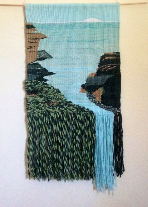 This is from my free series on weaving with fabric strips, I show you how to weave fabric using tapestry techniques. by Happyba on Etsy Framed Triangle Weaving Weaving Loom Diy, Weaving Art, Hand Weaving, Loom Weaving Projects, Weaving Textiles, Weaving Patterns, Tapestry Loom, Art Fil, Weaving Wall Hanging