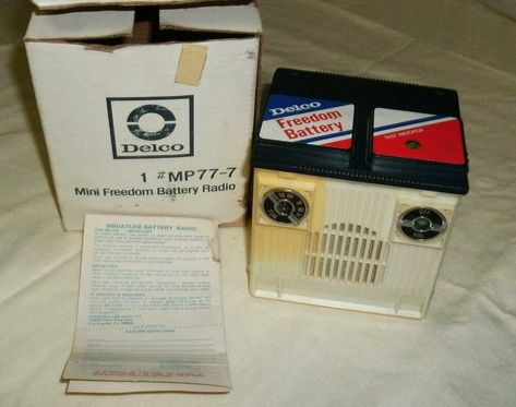 Vintage ATLAS BATTERY Novelty AM Transistor Radio w// Box Model # 3324 Hong Kong
