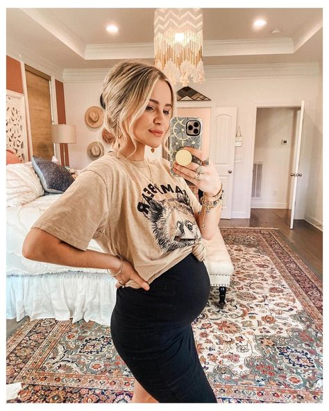 Casual Maternity Outfits, Stylish Maternity, Maternity Wear, Cute Pregnancy Outfits, Winter Maternity Style, Fall Maternity Fashion, Winter Pregnancy Outfits, Cute Maternity Style, Stylish Pregnancy