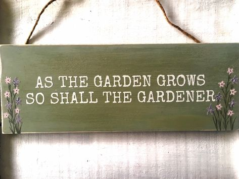 B2 Gardeners Know All The Dirt Plaque Summer Hanging Decoration Wooden NEW