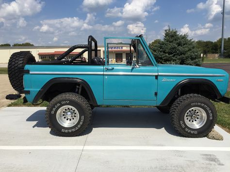 Baby Blue 1969 Ford Bronco
