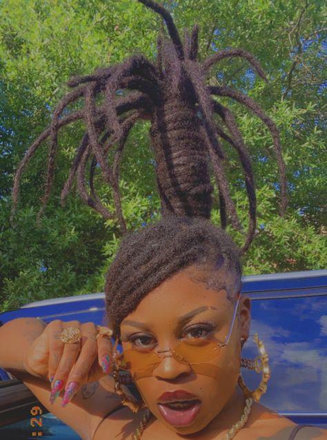 Black Girl Aesthetic, Aesthetic Hair, Dreadlock Hairstyles, Braided Hairstyles, Chicano, Dreadlock Styles, Locs Styles, Dreads Styles For Women, Curly Hair Styles