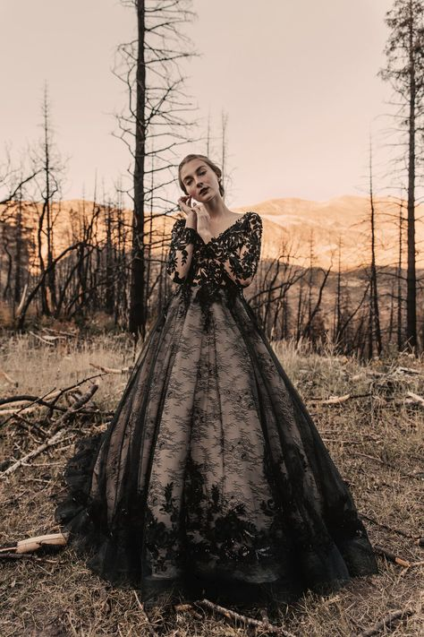 """Parting Birds"" - An Autumn Bridal Editorial — Natalie Michelle Photo Co. Wedding Dress Black, Fall Wedding Dresses, Halloween Wedding Dresses, Gothic Wedding Dresses, Gothic Wedding Ideas, Bridesmaid Dresses, Gothic Dress, Casual Wedding, Costume Halloween"