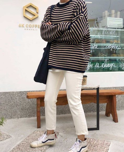 Forget Plaid, Here Are 8 Ways to Incorporate Stripes Into Your Fall Wardrobe – Kleidung Mode Outfits, Fall Outfits, Fashion Outfits, Fashion Tips, Ladies Fashion, 2000s Fashion, Fashion Games, Modest Fashion, Men Fashion