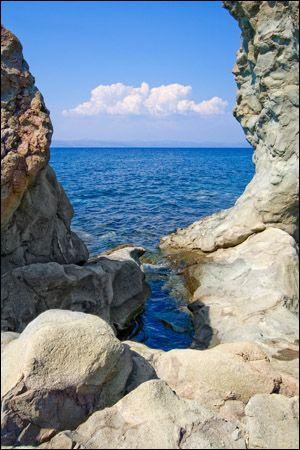 natural framing photography tumblr. the rocks are framing ocean view like a frame natural photography tumblr j