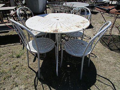 salon de jardin table ronde 4 chaises