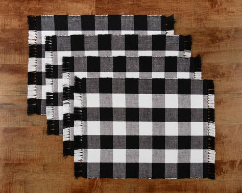 Mainstays 4 Pack Buffalo Plaid Placemat Black And White Walmart Com In 2021 Buffalo Plaid Table Decor Buffalo Plaid Decor Plaid Decor