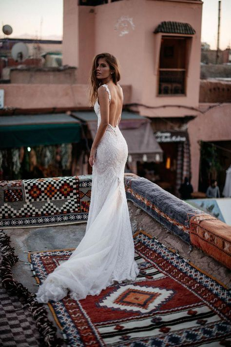 The glamorous fit of our mermaid wedding dress - made of delicately embroidered French lace with scalloped motif accents styled throughout. Photo: by Tali Photography dresses Amani - Alegria - Bridal Dresses - Galia Lahav Wedding Dress Black, Western Wedding Dresses, Top Wedding Dresses, Bridal Dresses, Delicate Wedding Dress, Wedding Gowns, French Wedding Dress, Cowgirl Wedding, Camo Wedding