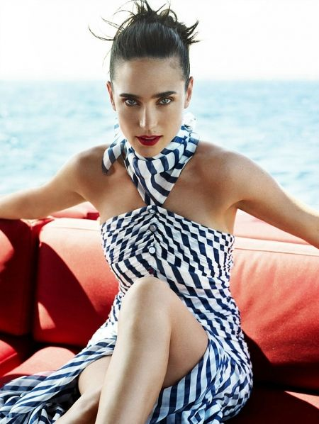 "Jennifer Connelly - Le diamant noir d'Hollywood-December 12, 1970, 12:00 PM (unknown) In:	Catskills Mountains (NY) (United States) Sun:	20°16' Sagittarius	 	  Moon:	18°12' Gemini	 	  Dominants:	Scorpio, Sagittarius, Gemini Jupiter, Saturn, Mercury Water, Earth / Mutable Chinese Astrology:	Metal Dog Numerology:	Birthpath 5 Height:	Jennifer Connelly is 5' 6½"" (1m69) tall"