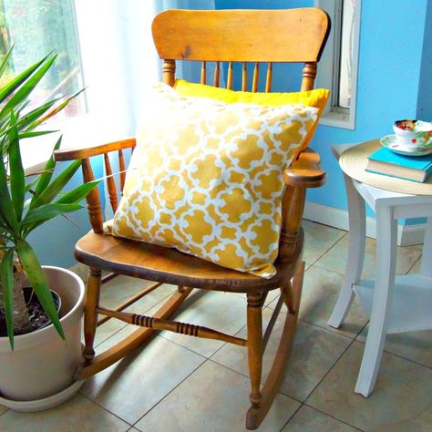 J Simple Living: DIY No Sew Pillows by using two table cloth napkins , hot glue together and leave an opening to stuff pillow and then hot glue opening and you done! Easy !! I'm sure you can find some good prints a thrift stores