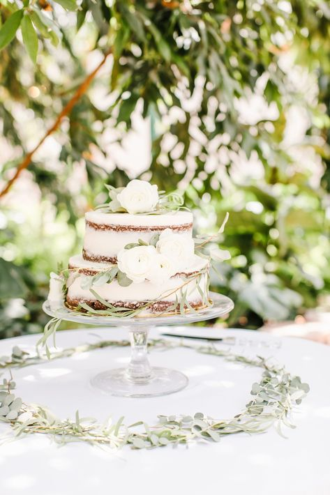 Naked wedding cake with white roses #weddingcake #cake #wedding #flowers #bride #weddingplanning #weddingcakes #utahwedding #details #planning #decorations #weddingdecorations
